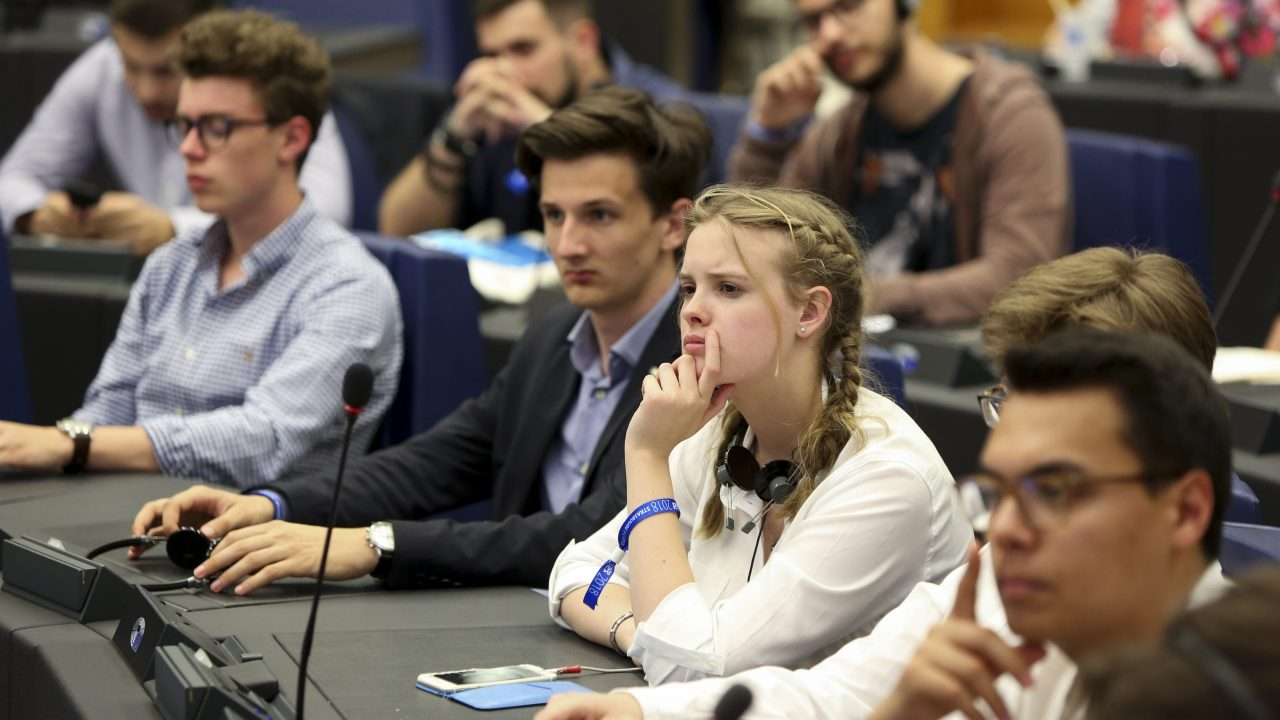 European Youth Event #EYE2018- Panel discussion YOUNG AND OLD: keeping up with the digital revolution  ' Forever young: Survive me if you can '